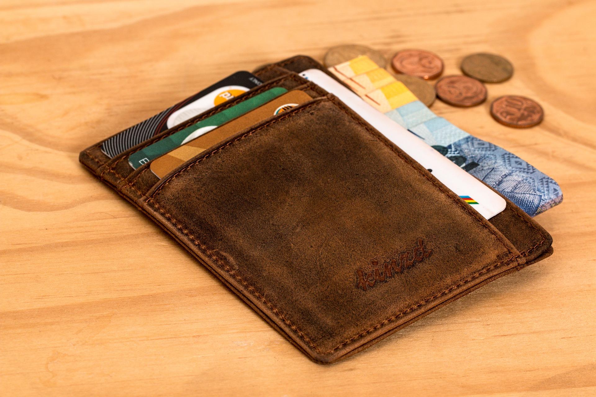 アイコスの費用を払う財布