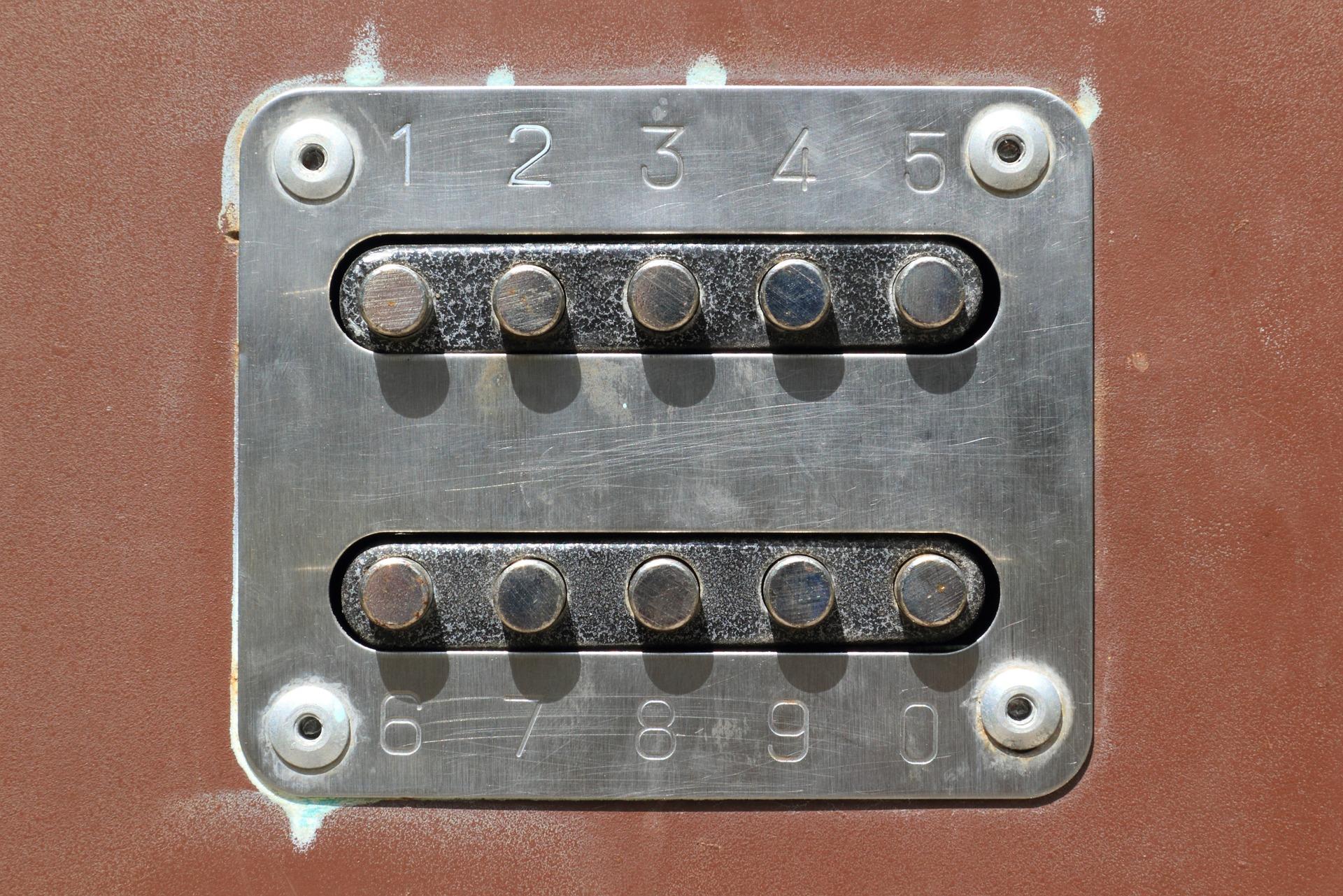 ログインの扉
