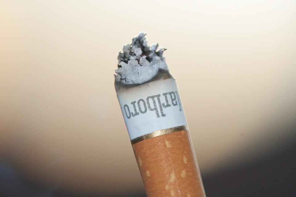 ニコチンが多い紙巻きタバコ