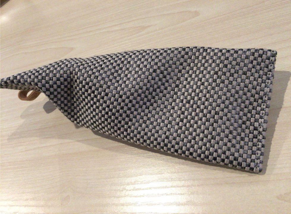 プルーム・テックプラス ソフトケースのホワイトグレー色3