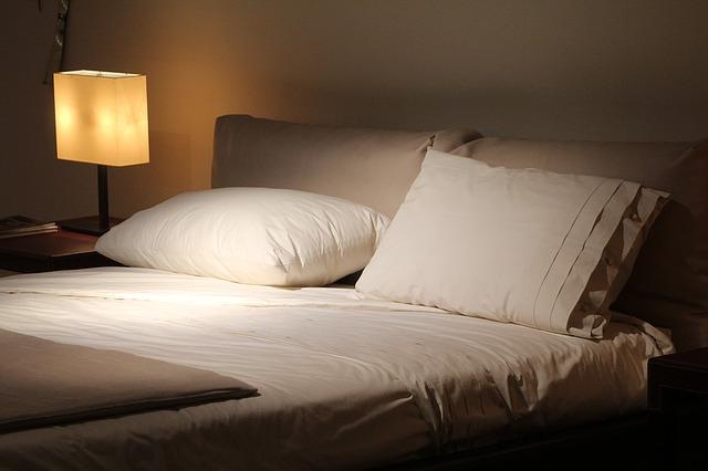 寝る時のベッド